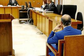 Dos años de cárcel por no repartir una indemnización con sus socios