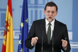 Rajoy  insta a la banca a no negar préstamos a proyectos «viables» ni a «familias solventes»