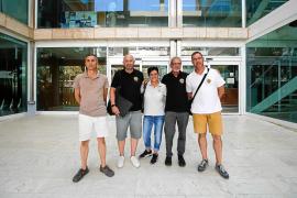 Los taxistas de Ibiza denuncian que hay cerca de 400 piratas organizados en la isla