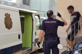 Detenido un joven por varios robos con fuerza en taxis de Palma