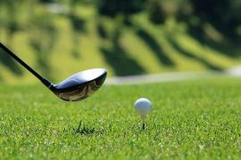 Un padre mata accidentalmente a su hija de 6 años al golpearla con una bola de golf