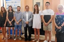 Llorenç Huguet recibe a los cinco estudiantes con mejores notas de Baleares en la selectividad