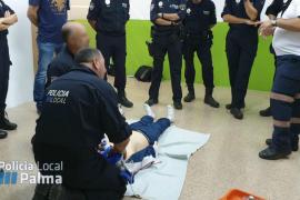 Agentes de la Policía Local de Palma realizan un curso de reanimación