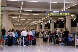Más de 700.000 personas pasarán por los aeropuertos de Baleares este fin de semana