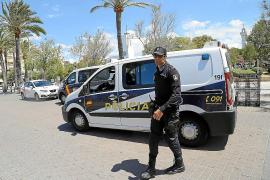 Detenida una madre por esnifar delante de su hija de 10 años en la Playa de Palma