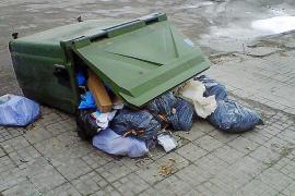 Quejas por la acumulación de basuras en los contenedores del polígono industrial de Binissalem