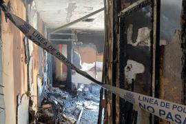 Dos adultos y un niño, afectados por un incendio en un quinto piso en Palma