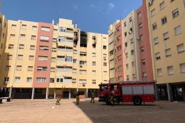 Trasladan al Vall d'Hebron a la mujer herida grave en el incendio en la calle Caracas