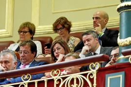 Pedro Sánchez anuncia leyes medioambientales que su Gobierno cuestiona en Baleares