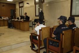 Condenado a 13 años de cárcel por abusar de su hija y compartir los vídeos sexuales