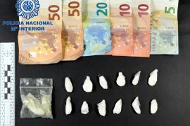Detenido junto a la comisaría de Manacor con varias papelinas con droga