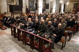 La sociedad mallorquina se despide de Feliciano Fuster en Son Valentí