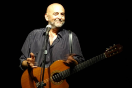 El cantautor Riki López recala en Palma en el evento Humor a la Fresca