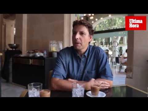 Aniol Esteban: «La posidonia es un auténtico chollo: limpia las aguas, regenera las playas y absorbe CO2»