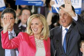 Romney no despeja dudas