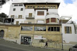 Sorprenden a dos jóvenes sustrayendo el cable de una clínica cerrada de Palma