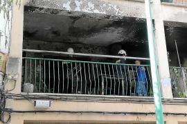 La Guardia Civil inspecciona el piso del Arenal para buscar el origen del incendio