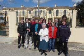 Vecinos de Vilafranca muestran su preocupación ante el futuro del centro de día