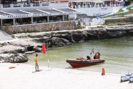 Prohíben el baño en la playa de Cala Blanca de Ciutadella por contaminación fecal
