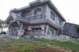 Al menos 8 muertos y unos 60 heridos tras varios terremotos en el norte Filipinas