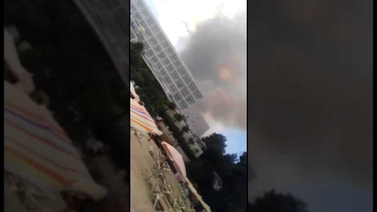 Un virulento incendio obliga a desalojar a más de 400 personas en Portinatx