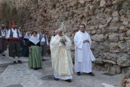 La procesión de la reliquia revive un año más la devoción por la Beata