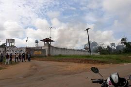 Una pelea entre bandas causa al menos 52 muertos en una cárcel de Brasil