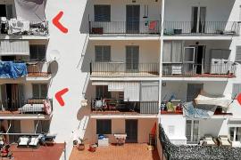 Denuncian que se alquilan balcones para pernoctar en la ciudad de Ibiza