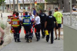 Rescatan a un bañista en la playa de Camp de Mar