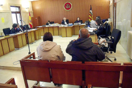 La Fiscalía solicita 31 años de cárcel para una pareja por abusar de la hija de la mujer