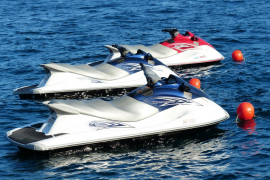 Deliveroo entregará pedidos mediante motos de agua a barcos fondeados en Palma
