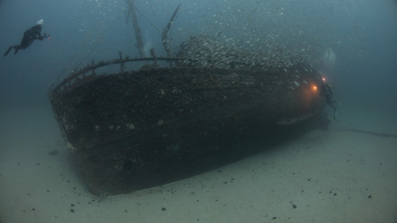 Impresionantes imágenes de un barco hundido en aguas de Pollença