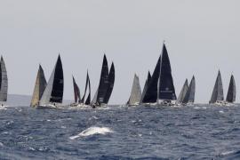 'Alinghi' toma el mando en la clase de los «catamaranes voladores»