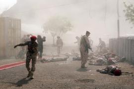 Decenas de muertos en un ataque de los rebeldes contra un desfile militar en Yemen