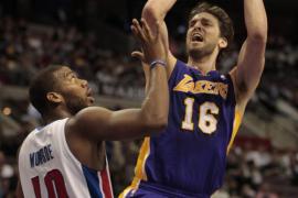 Los Lakers ganan con suspense, derrota sorpresa de Thunder y Paul arrolla