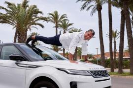 El chef Paco Roncero, en Ibiza con el nuevo Evoque