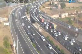 Retenciones en la autopista de Llevant por una colisión entre varios vehículos