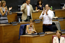 La abstención de Bildu permite la investidura de Chivite (PSN) en Navarra