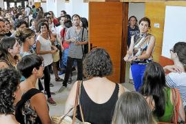 El STEI tramita un centenar de recursos contra el cese de docentes interinos