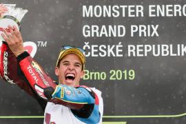 Alex Márquez gana en solitario
