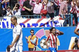 El Atlético mira a Europa con más pegada que fútbol