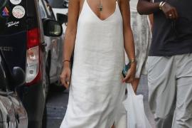 Las imágenes de Rita Ora de compras por Ibiza