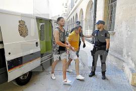 Detenidos tres menores implicados en la brutal paliza al chico de 16 años en el Arenal