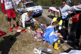 Dos ciclistas en estado grave tras chocar frontalmente