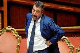 Salvini da por rota la coalición de Gobierno en Italia