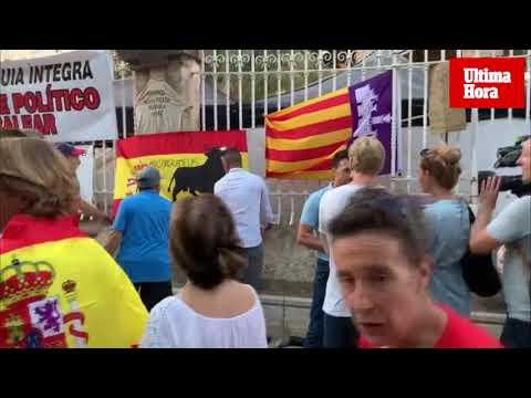 Los protaurinos tratan de silenciar la protesta animalista con el 'Cara al sol'