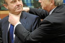 El Gobierno acepta el recorte  adicional del 0,5% para 2012 que exige el Eurogrupo