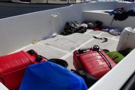Localizada una patera con 16 inmigrantes en el Cap de Ses Salines