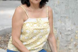 Assun Planas: «Aquí en la Isla, echo en falta hacer una obra de teatro durante un mes»