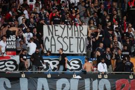 La afición del PSG estalla contra Neymar